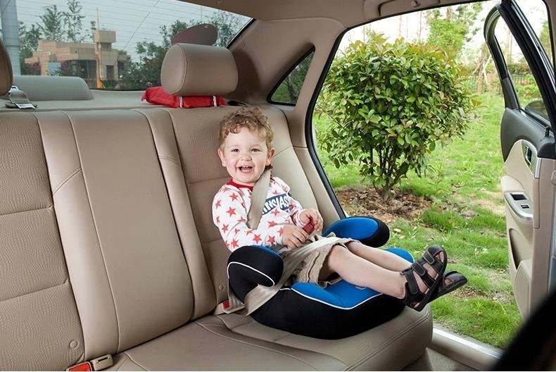 Бустер для детей в машину: с какого возраста по правилам 2020